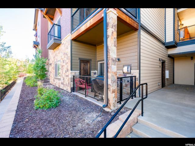 5461 N LUGE LN Unit 2103, Park City UT 84098