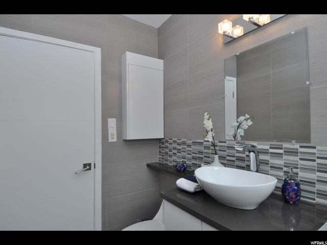 1133 E SHERMAN S, Salt Lake City, Utah 84105, 5 Bedrooms Bedrooms, ,1 BathroomBathrooms,Single family,For sale,SHERMAN,1593733