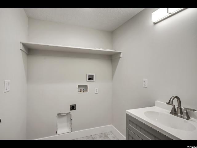 1816 S 1000 E, Salt Lake City, Utah 84105, 3 Bedrooms Bedrooms, ,1 BathroomBathrooms,Single family,For sale,1000,1634804