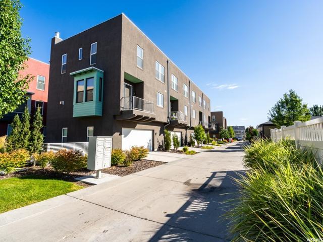 4947 W DAYBREAK S PKWY, South Jordan, Utah 84009, 3 Bedrooms Bedrooms, ,3 BathroomsBathrooms,Residential,For sale,DAYBREAK,1637236