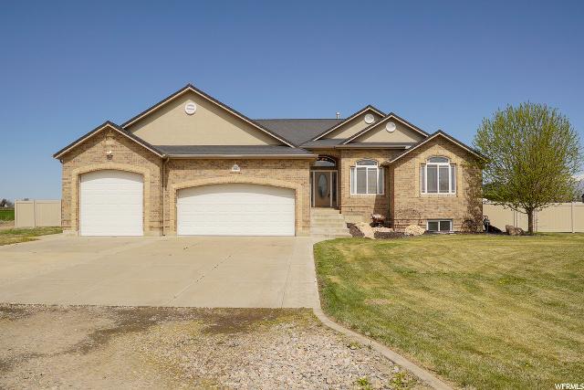 6532 5800, Hooper, Utah 5 Bedroom as one of Homes & Land Real Estate