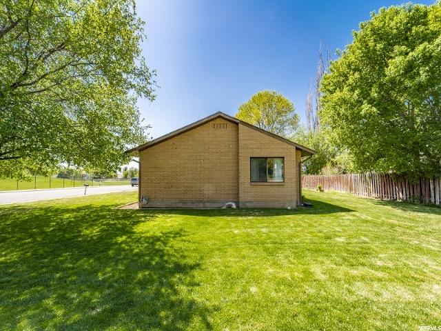 3036 W 5200 S, Roy, Utah 84067, 3 Bedrooms Bedrooms, ,2 BathroomsBathrooms,Single family,For sale,W 5200 S,1672873