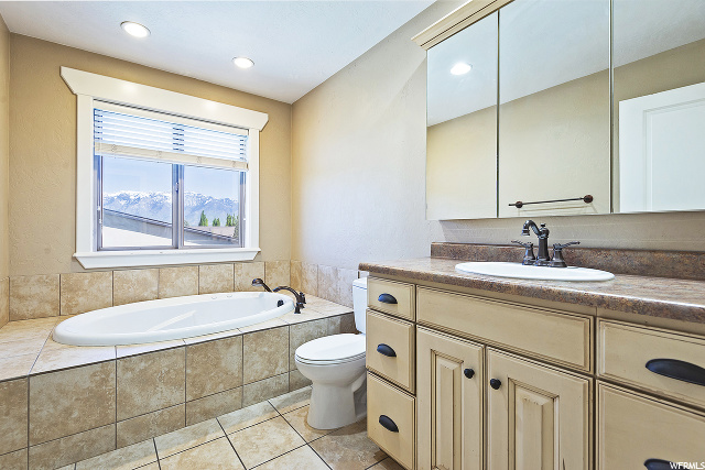 2392 W Old Rosebud S LN, South Jordan, Utah 84095, 5 Bedrooms Bedrooms, ,8 BathroomsBathrooms,Single family,For sale,W Old Rosebud S LN,1673587