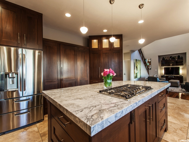 11254 S Eagle View E DR, Sandy, Utah 84092, 6 Bedrooms Bedrooms, ,7 BathroomsBathrooms,Single family,For sale,S Eagle View E DR,1683354
