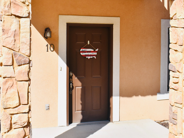 1145 S Canyon Meadows E Dr, Apt 10