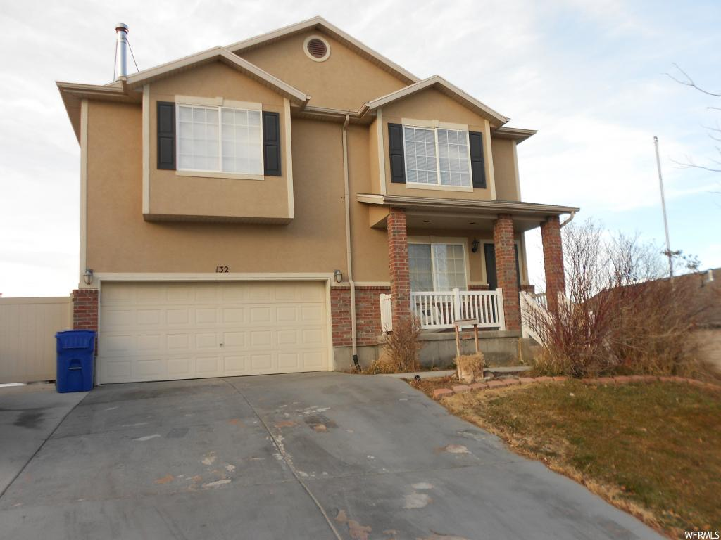 Great floor plan with open areas to enjoy, nice upgrades, just done with new bathrooms, paint and countertops in the kitchen down.  South facing exposure. Close to golf and other recreational opportunities.  Excellent apartment down.  Call soon to see this one.