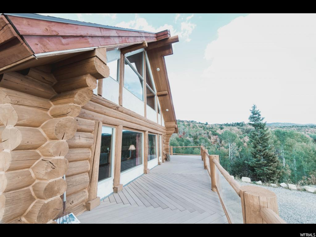 Beautiful Rustic but Lavish Big-Log Cabin with Amazing views of the Sanpete valley. Square footage figures are provided as a courtesy estimate only and were obtained from the builder. Buyer is advised to obtain an independent measurement.