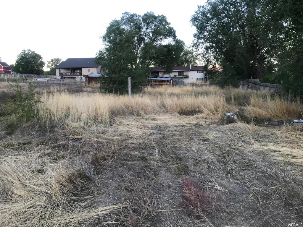 Great building lot in the heart of Moroni.   Address in approximate, an actual address would be assigned at the time of building.  Utilities are nearby.  Buyer and buyer's agent to verify all information.