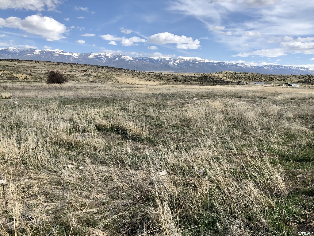 This beautiful 5-acre lot with gorgeous views is the perfect place to build your dream home. Located just East of Moroni. The property includes a private well and is ready to build on. Buyer and buyer's agent to verify all information.