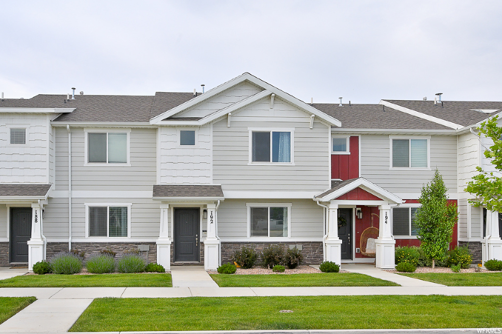 **OPEN HOUSE SAT June 6th 11:00am-2:00pm**Bright & Open 2 Story 3 Bed/ 2 Bath Townhome in  Legacy Farms Community. Enjoy access to Pool, Club House, Open Space and Playground.  Neighborhood Elementary within Walking Distance. Easy Access to Redwood Road, Dinning, Entertainment and Shopping.  Upgraded Flooring throughout Main Level.  Spacious Kitchen with Breakfast Bar.  Tranquil Master Retreat with Attached Master Bathroom and Walk In Closet.  2nd Level Laundry is a Bonus.   2 Car Attached Garage. Square footage figures are provided as a courtesy estimate only.  Buyer is advised to obtain an independent measurement.