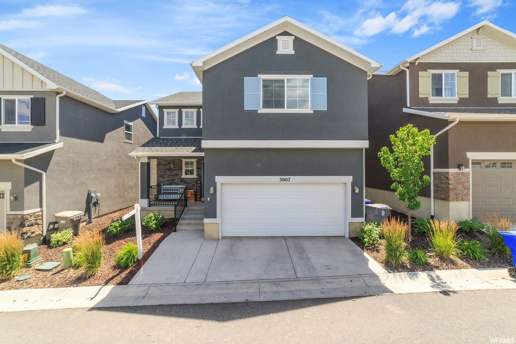 Beautiful home with an amazing view of Utah Lake. The house has 4.76 kw solar that can left on the house if you're wanting to take over the payment. If not, it will be removed. The neighborhood is quiet and has amazing views of Utah Lake throughout it.