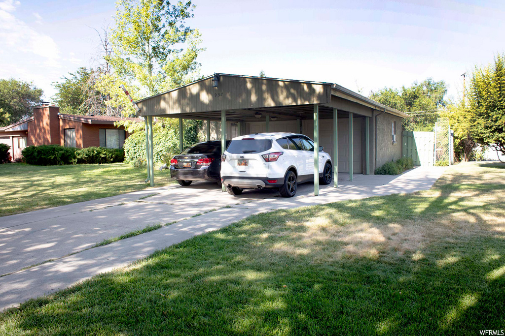 Highest and best by Monday August 3rd/2020 at 5 pm. For 360° photo tour please go to:https://my.matterport.com/show/?m=3HRpht8ZsYq&brand=0   Great rambler home in a fantastic location! Just minutes away from downtown. This property features 4 bedrooms and updated kitchen, a great family room, a fully fenced backyard & much more!!  Open House Saturday  August/1st/20 from 10 am to 12 pm. Any showings after that must be requested through showing time. Square footage figures are provided as a courtesy estimate only and were obtained from County Records. Buyer is advised to obtain an independent measurement.
