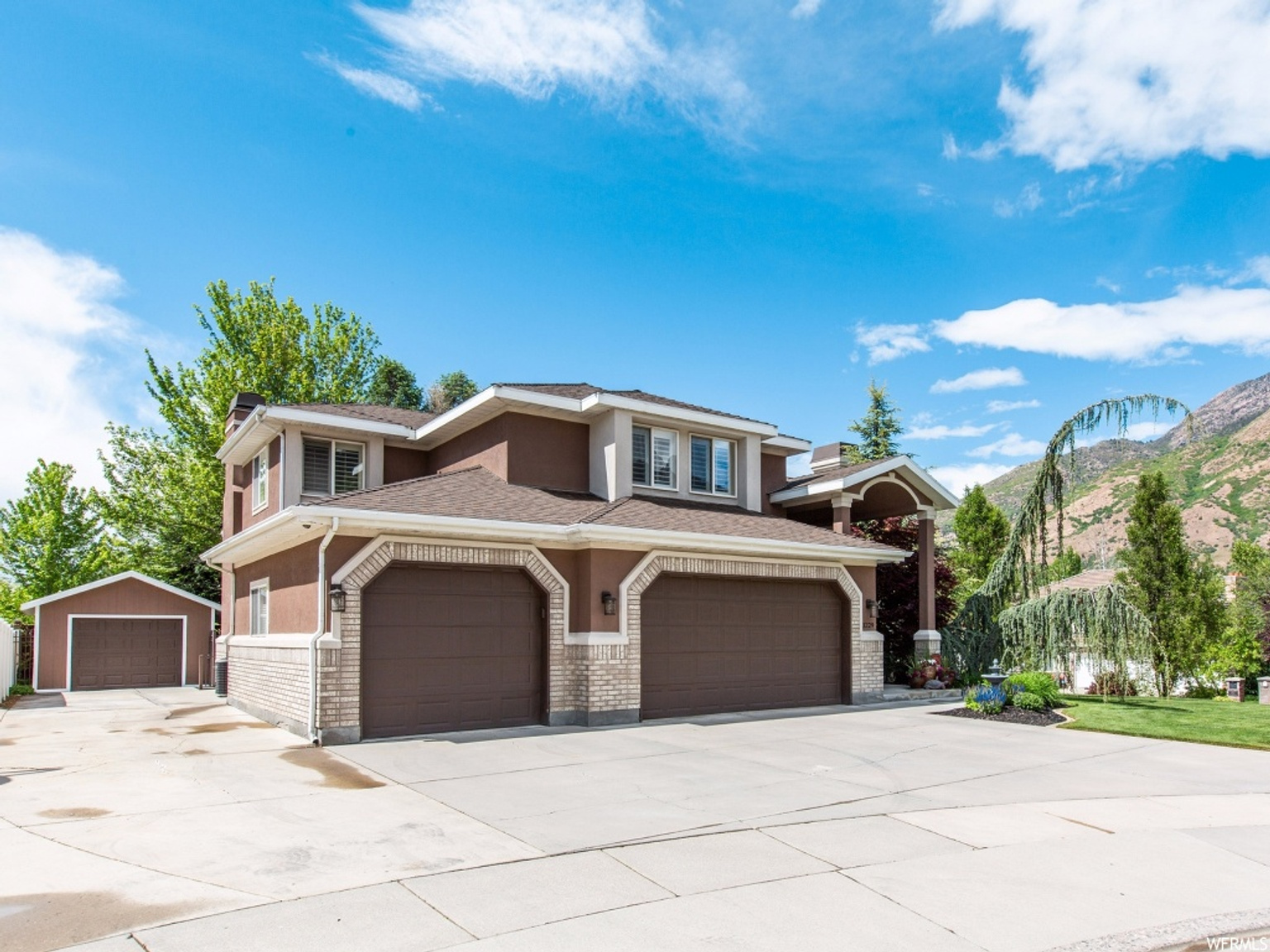 3229 E VISTA GRANDE CIR, Salt Lake City UT 84121