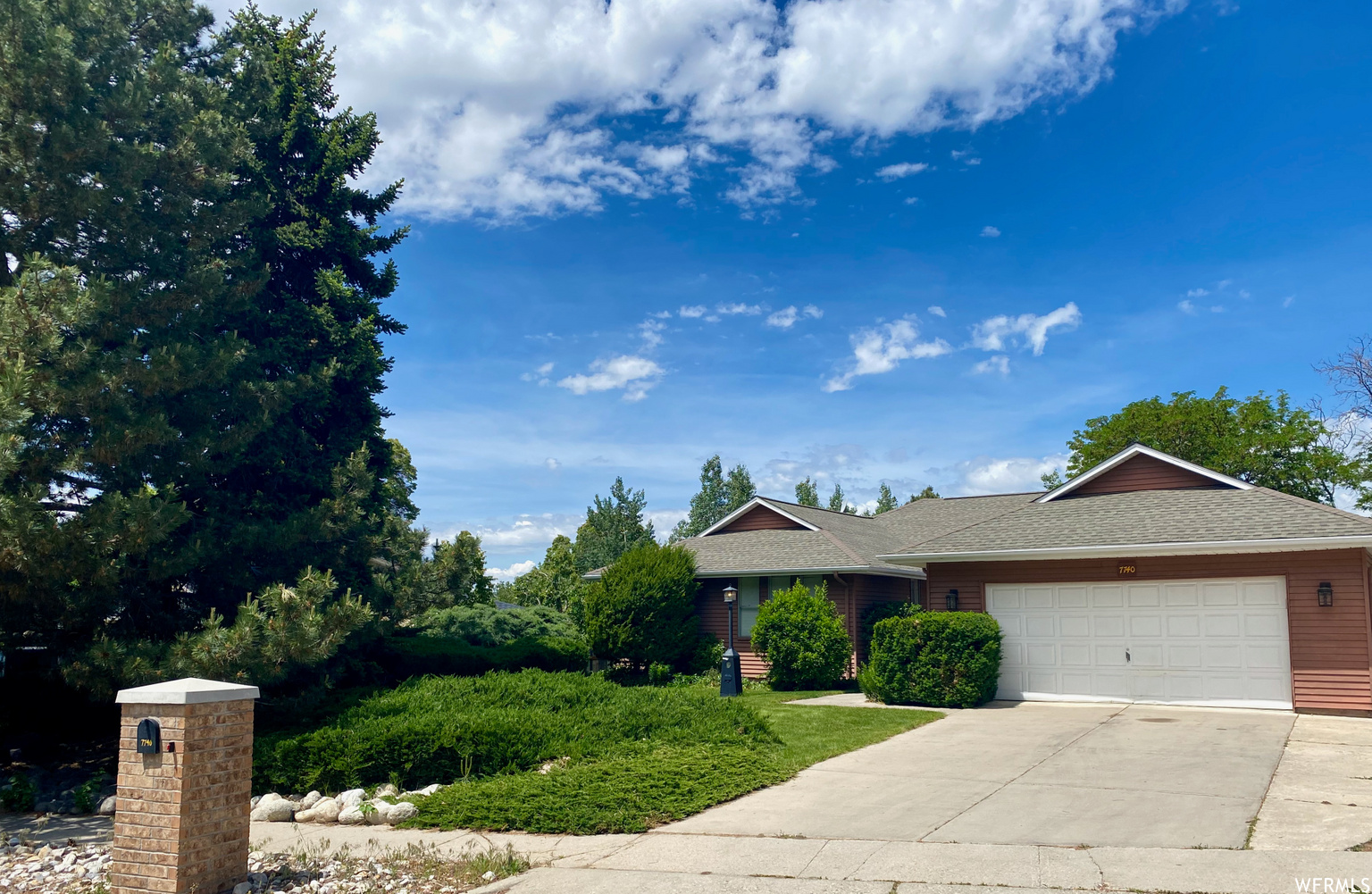 7740 S SILVER LAKE DR, Cottonwood Heights UT 84121