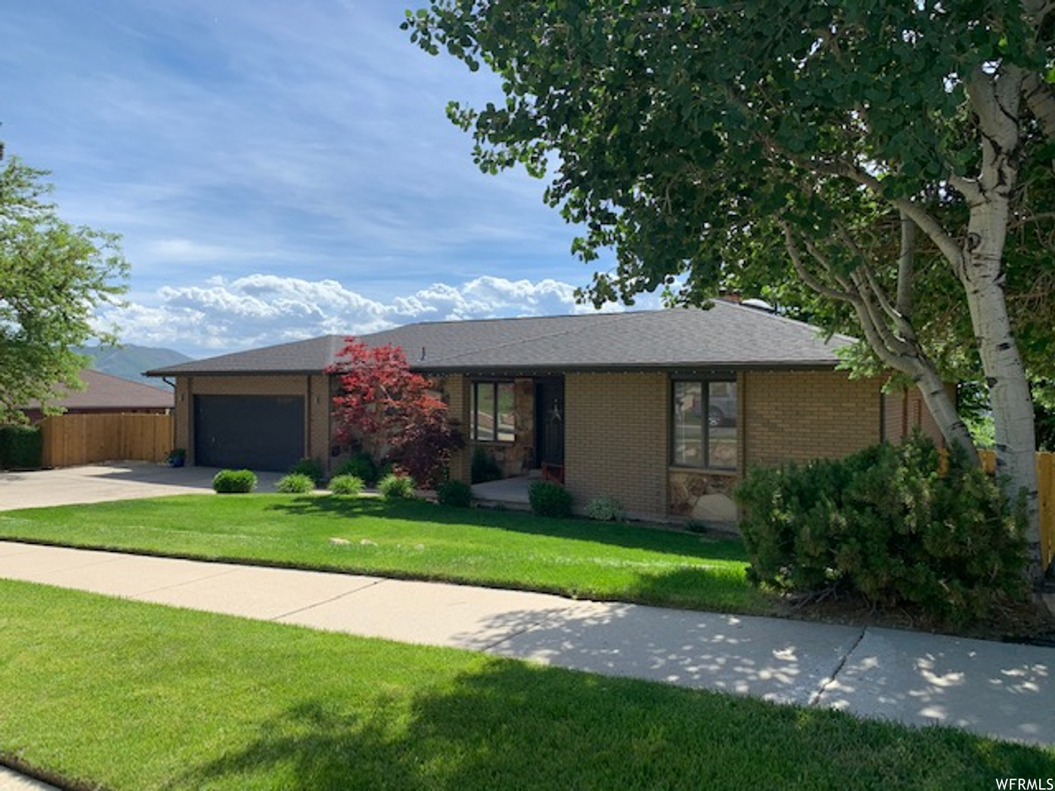 11670 S HIDDEN VALLEY BLVD, Sandy UT 84092