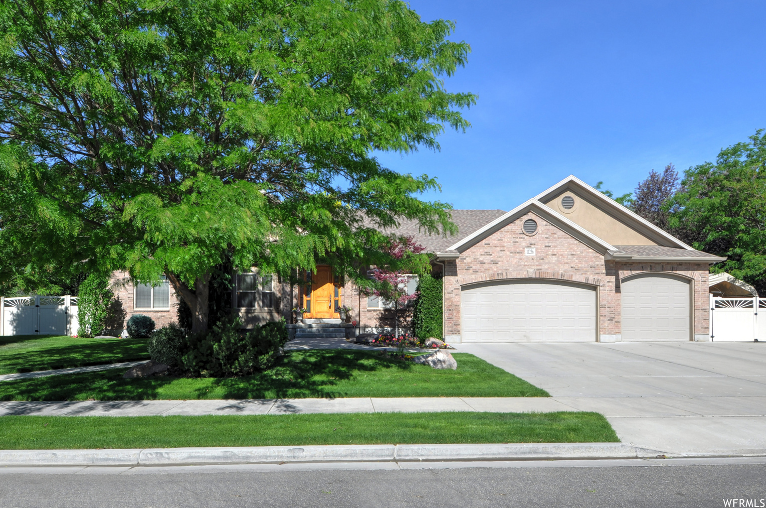 11236 S AUTUMN VIEW CT, South Jordan UT 84095