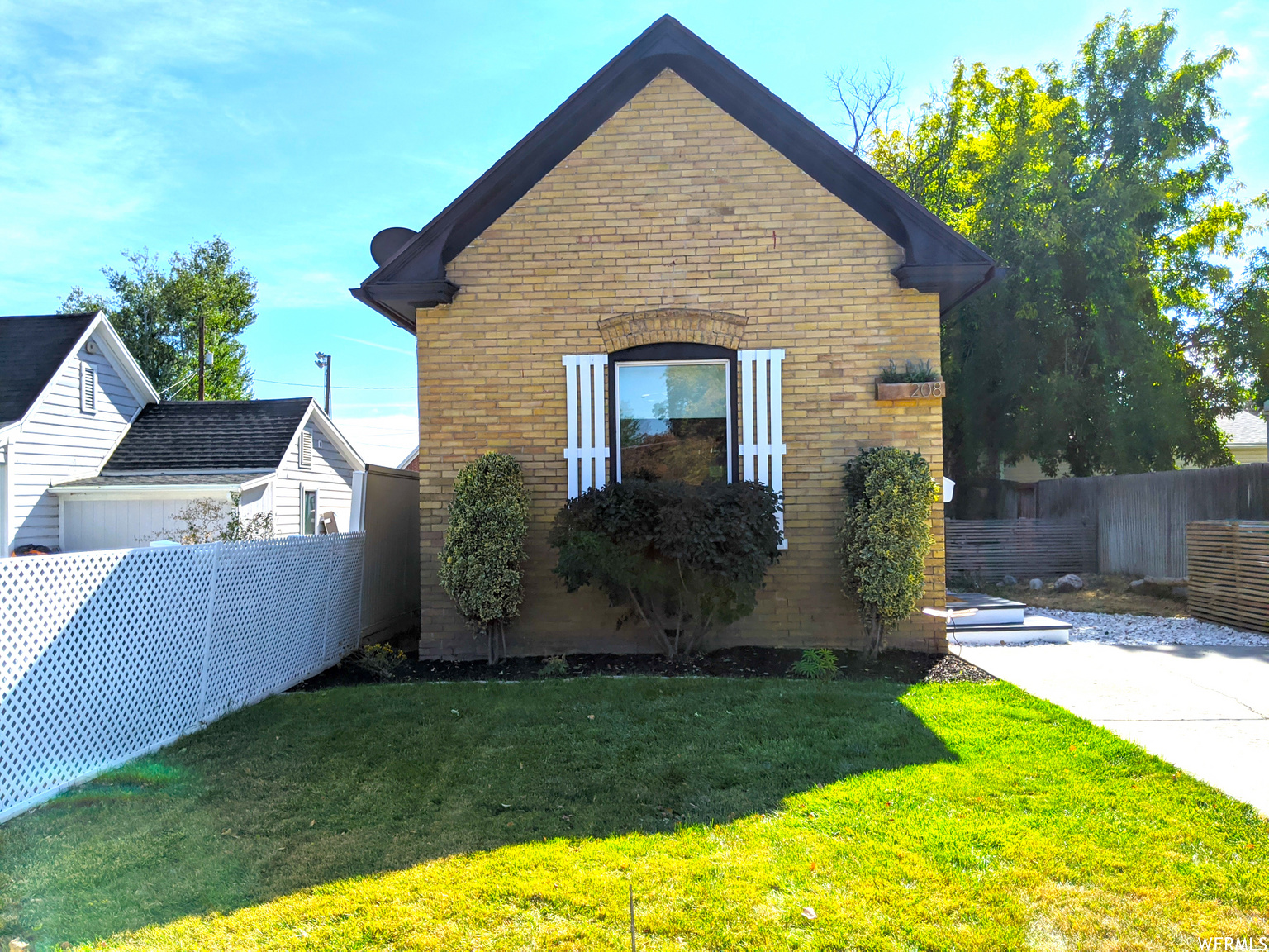 208 E VINE ST, Murray UT 84107
