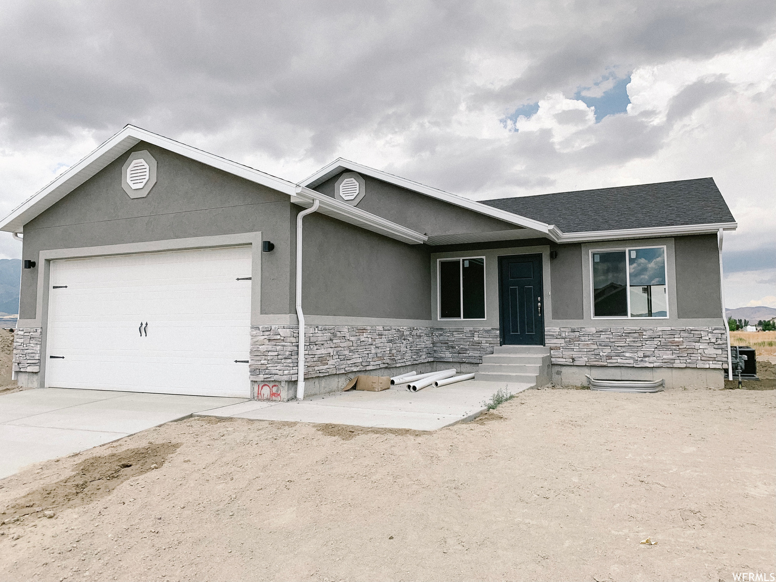 2403 E WEEPING WILLOW WAY, Eagle Mountain UT 84005