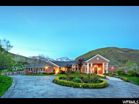 1334 N Canyon Oaks Way  - Click for details