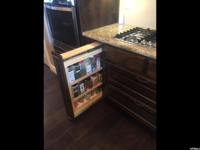 Custom Spice Pull-Out