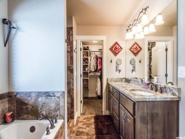 Master Suite Bathroom (jetted tub & walk-in shower)