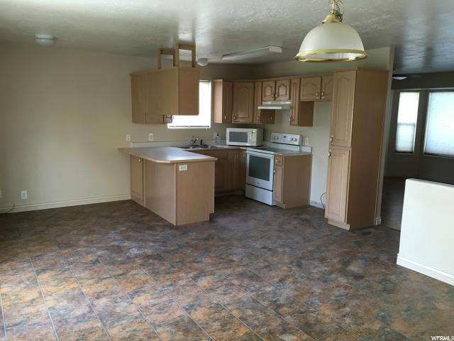 70 W Middle Cir  - Click for details