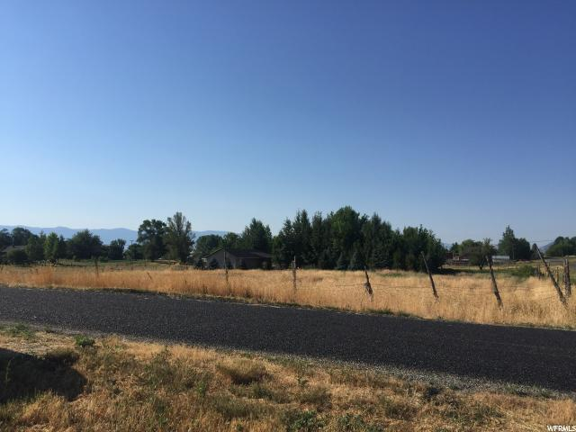 In the beautiful city of Fountain Green- a Large one acre + building lot with incredible views of Mt Nebo. Come build your dream home on a little patch of heaven.  High water table so no basement is recommended but plenty of land to build a ranch style home or two story.