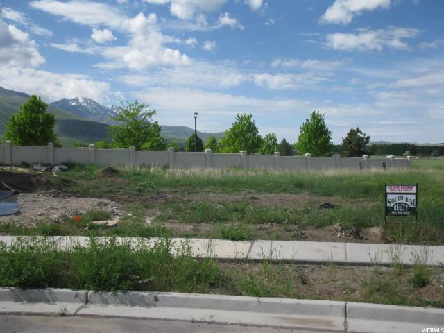Looking South directly behind lot is the Payson Temple.