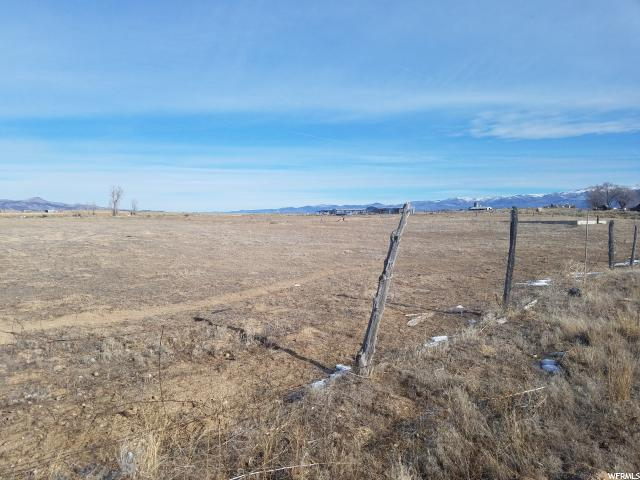 This is a great piece of property just off Highway 89. Sits on the north side of the highway. Perfect spot to build your dream home and have a nice chunk of land with it. The views are fantastic. 1 acre ft. of water right #65-3528 is included. Buyer and buyer's agent to verify all information.