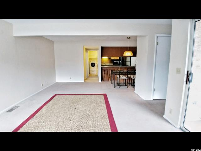 4824 S HIGHLAND CIR Unit 203, Salt Lake City UT 84117