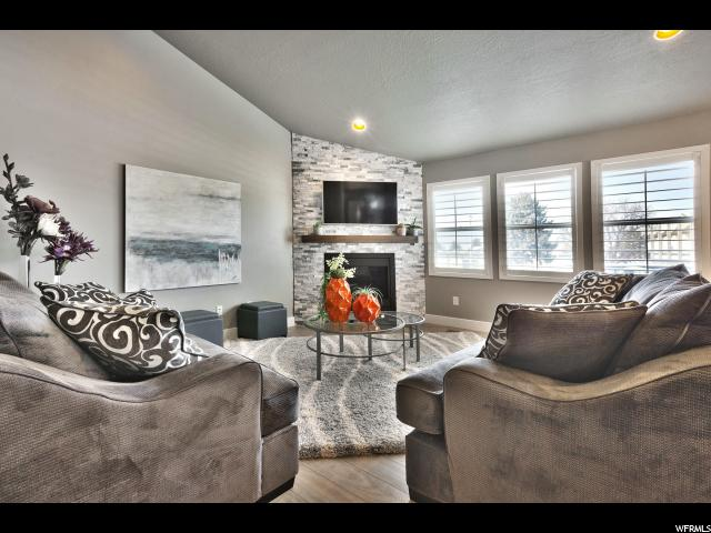 Home for sale at 3712 S Grandeur Park Ln, Salt Lake City, UT 84109. Listed at 725000 with 5 bedrooms, 3 bathrooms and 3,106 total square feet