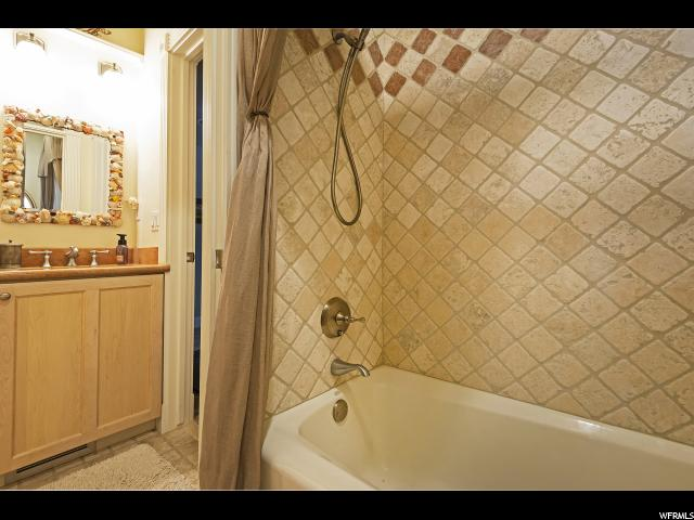 Photo 42 for MLS #1582166 at 1622 E Connecticut Dr