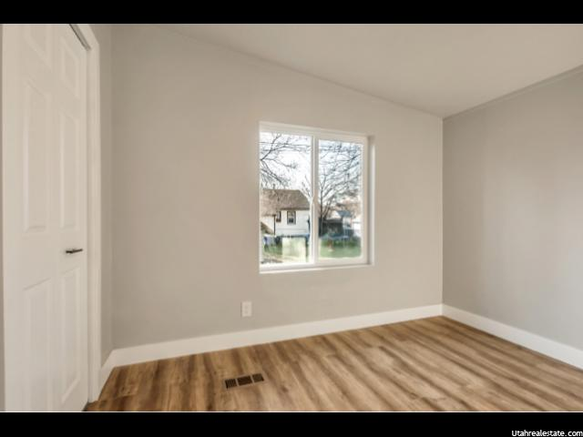 Photo 15 for MLS #1586756 at 752 W 400 South