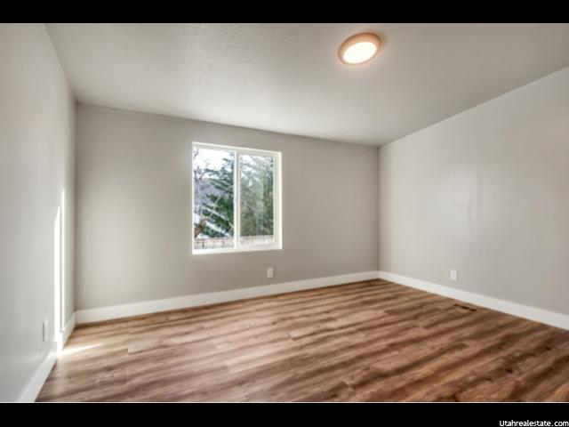 Photo 17 for MLS #1586756 at 752 W 400 South
