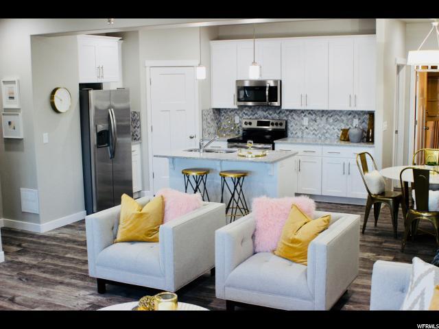Staged Model - Kitchen 2nd Floor