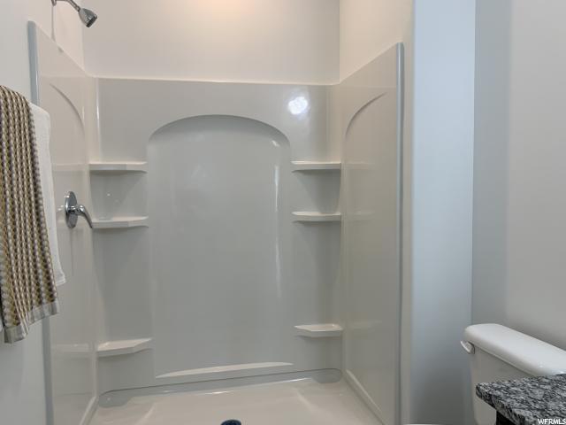 2nd Floor - Bathroom