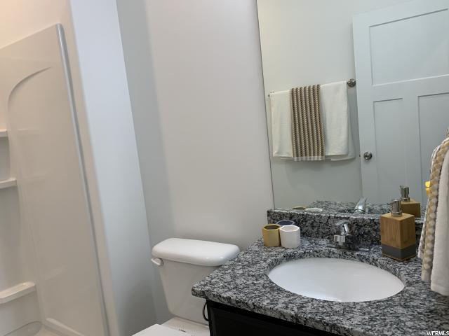 3rd Floor - Hall Bathroom