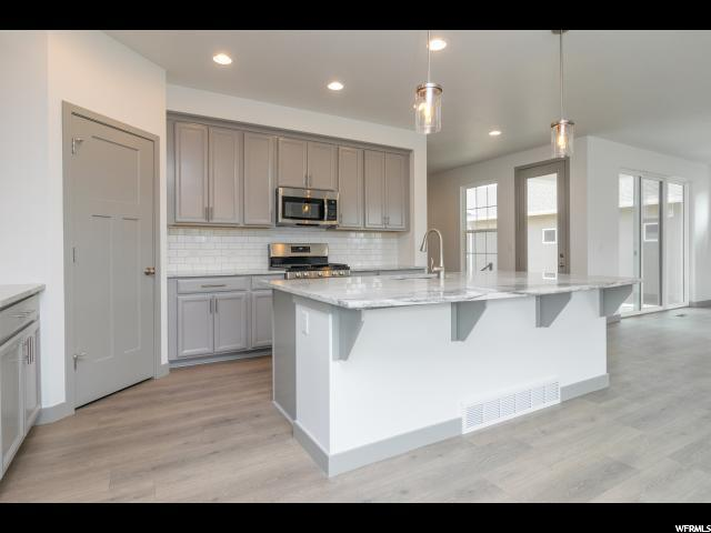 6244 W SUGARCANE DR Unit 122, South Jordan UT 84009