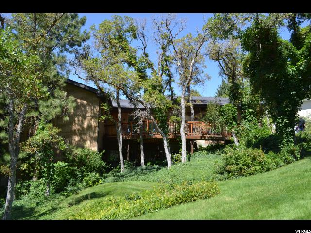 4 MOUNTAIN WOOD LN, Sandy UT 84092