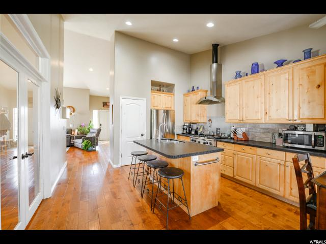 9704 S WOOD RANCH DR, South Jordan UT 84009