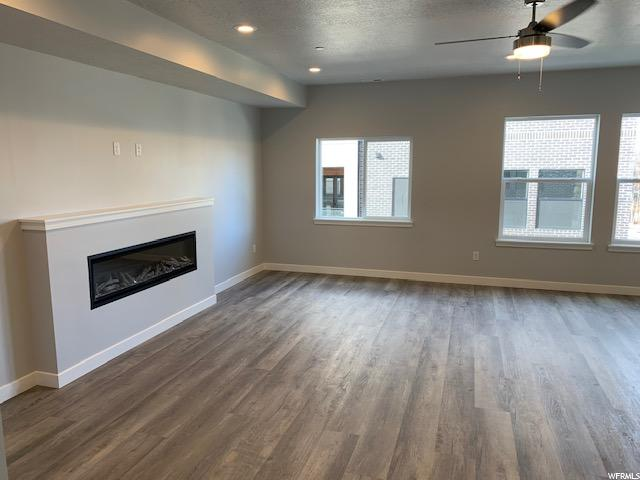 Family room: fireplace