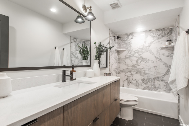 Entry Level Full Bathroom
