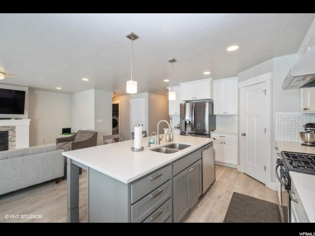 4883 W TOWER HEIGHTS DR Unit 33, Riverton UT 84096