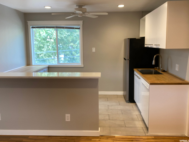 650 300, Salt Lake City, Utah 84103, 2 Bedrooms Bedrooms, 5 Rooms Rooms,1 BathroomBathrooms,Residential Lease,For Sale,300,1658741