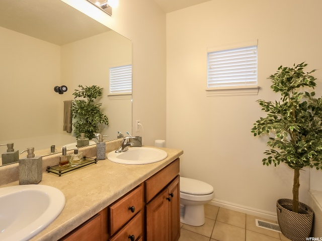 Master bath - Soaking tub and separate shower on opposite side