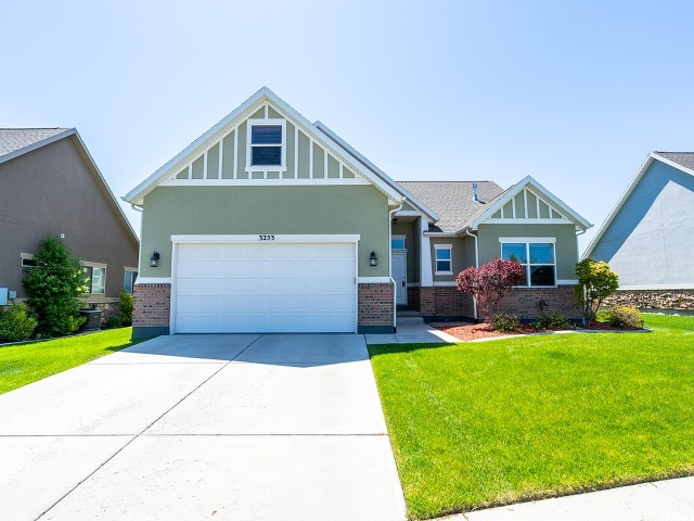 3253 W BLUE MOON LN, South Jordan UT 84095