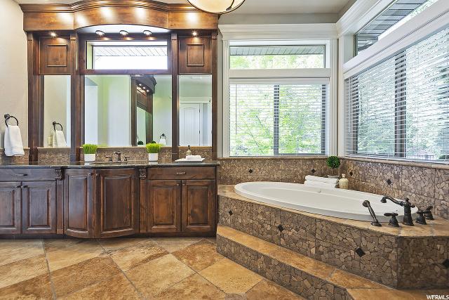 2392 Old Rosebud, South Jordan, Utah 84095, 5 Bedrooms Bedrooms, 33 Rooms Rooms,4 BathroomsBathrooms,Residential,For sale,Old Rosebud,1673587