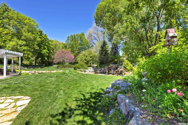 557 Walnut Brook, Salt Lake City, Utah 84107, 5 Bedrooms Bedrooms, 26 Rooms Rooms,3 BathroomsBathrooms,Residential,For sale,Walnut Brook,1674536