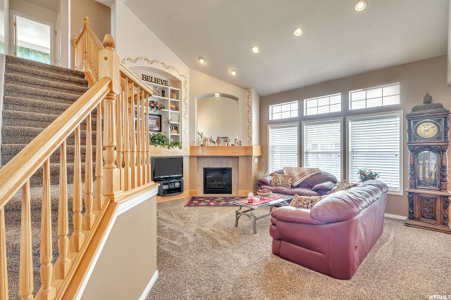 Family Room - Main Level - Fireplace and built-ins