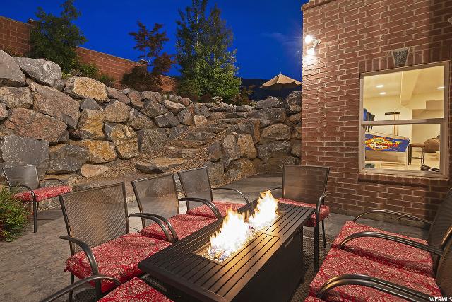 11045 Tall Pines, Sandy, Utah 84092, 5 Bedrooms Bedrooms, 18 Rooms Rooms,4 BathroomsBathrooms,Residential,For sale,Tall Pines,1674684